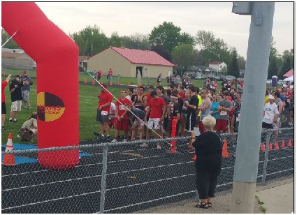 171 participants get ready to start the Dream Dash on May 9.