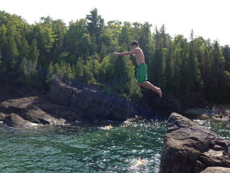 pciture_3_courtney_cliff_diving
