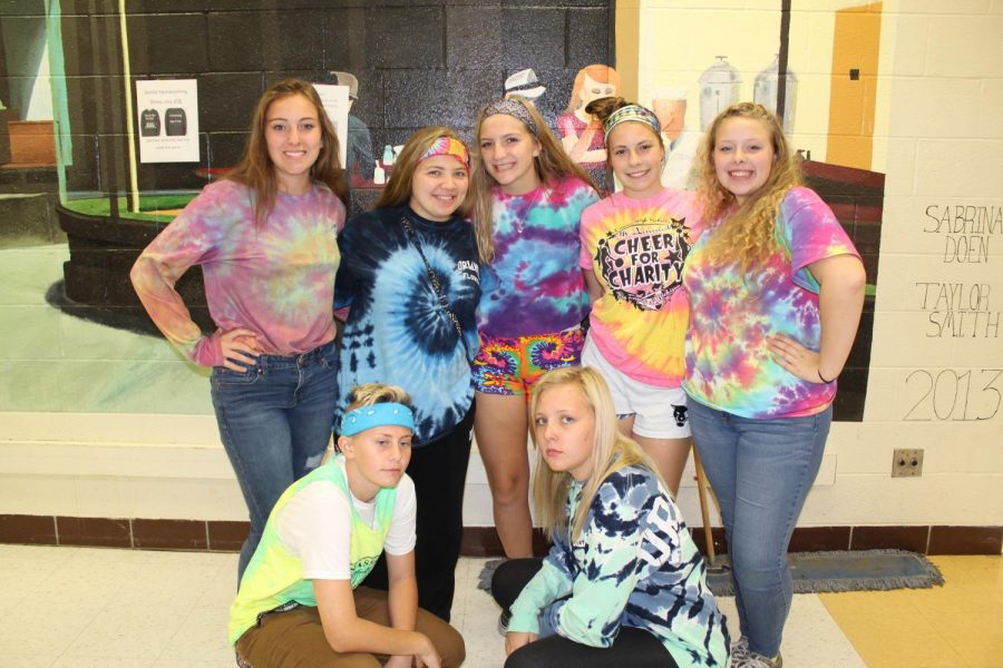 Juniors+dress+up+for+tie+dye+day