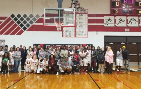Girls basketball honors parents at annual parents night