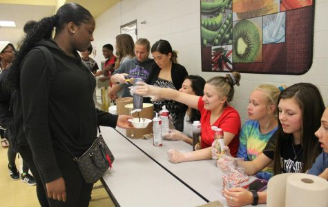 Link Crew hosts ice cream social for freshmen