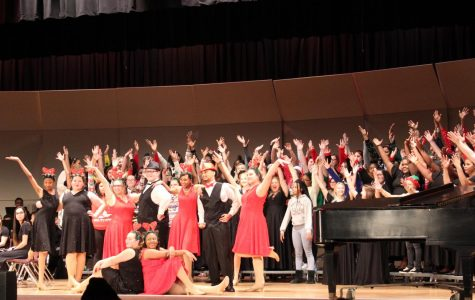 Choir and band perform annual holiday concert