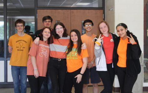 Monochromatic Monday kicks off Spirit Week