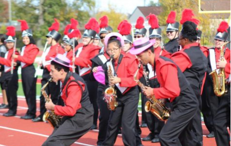 Marching band performs for elementary and middle schools