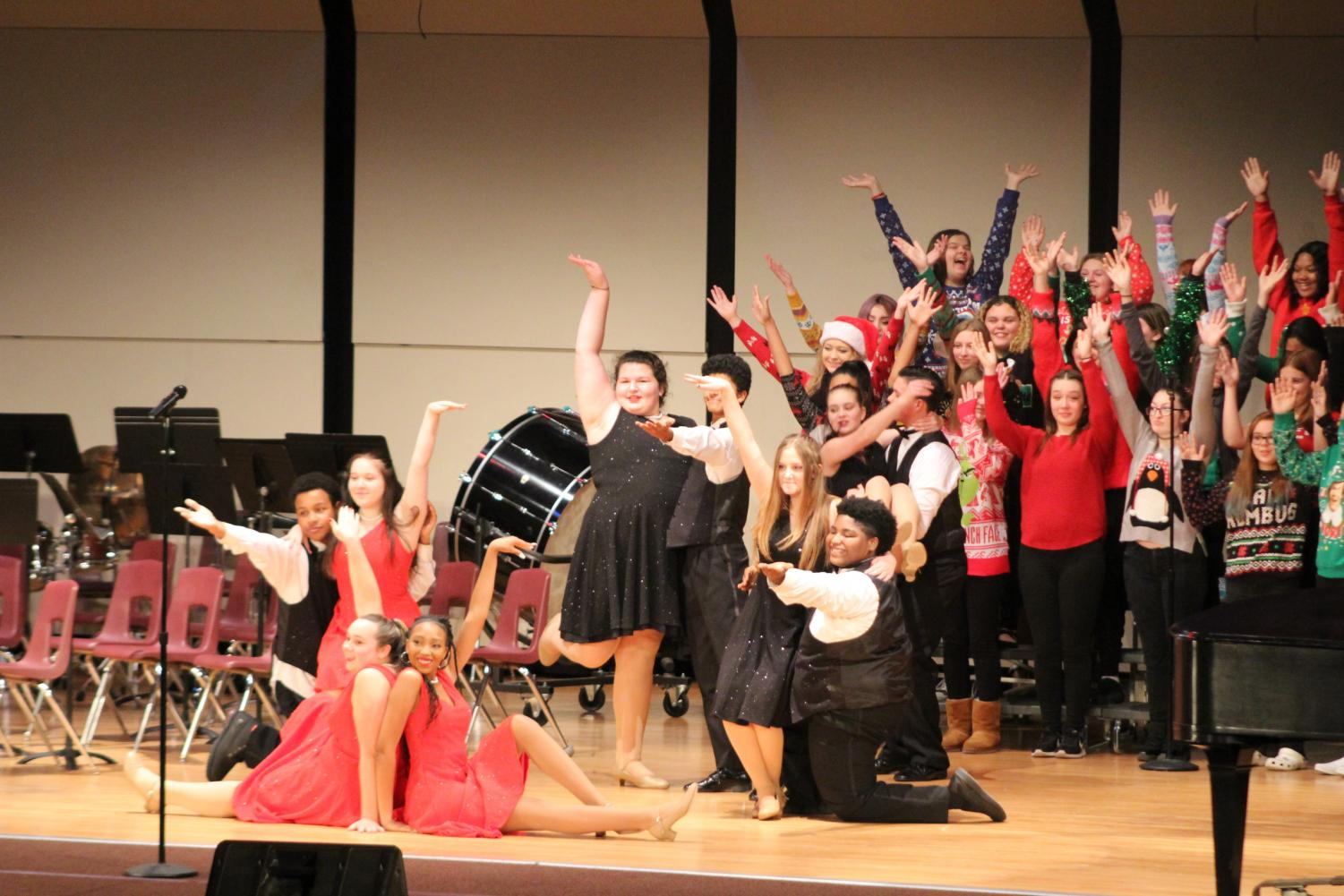 The choir posing at the end of their outstanding performance.